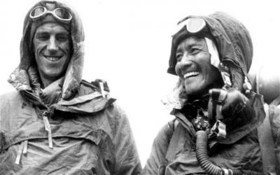 Nepal to name two Himalayan peaks after Sir Edmund Hillary and Tenzing Norgay